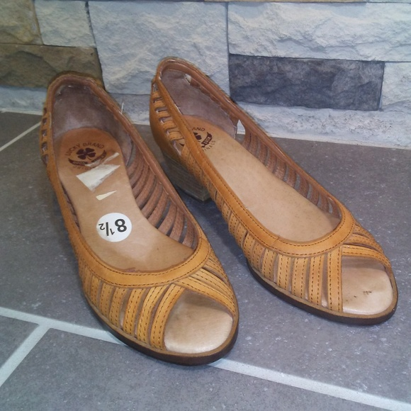 Lucky Brand Shoes - Lucky Brand Leather Shoes Low Wood Heel Size 8.5